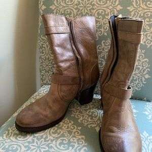 Crown Vintage Shoes - Crown Vintage Leather Heeled Boots Size 8